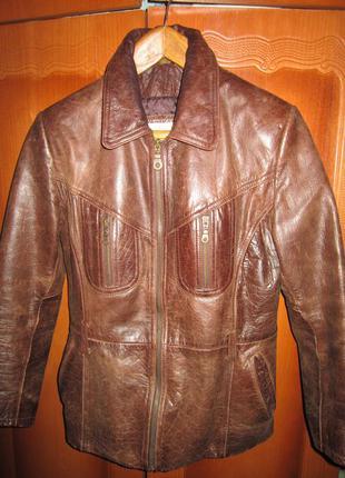 Кожаная куртка,размер л,можно м.