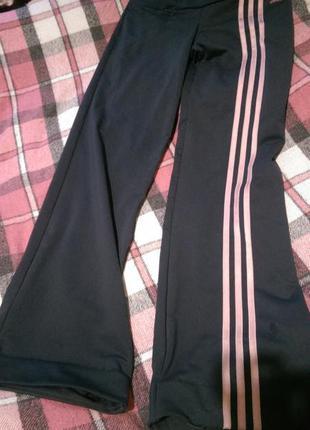 Классные спортивные штаны adidas (оригинал)