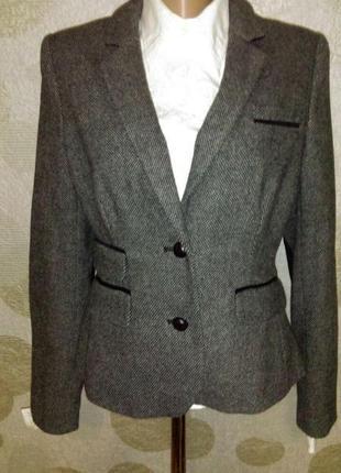 Твидовый  жакет пиджак с налокотниками  маленького размера