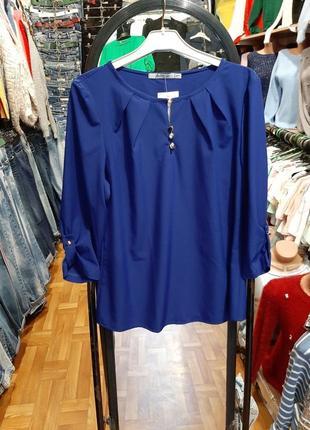 Яркая блуза с 3/4 рукавом
