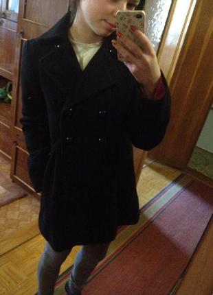 Классное кашемировое пальто bershka