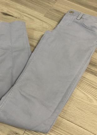Голубі джинси