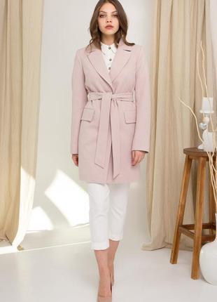 Демисезонное пальто миди длины с английским воротником