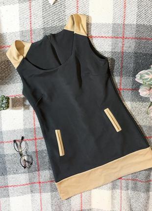 Чёрное короткое платье туника с бежевыми вставками