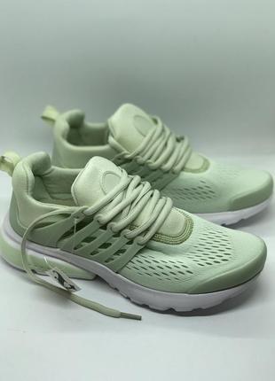 Мятные текстильные кроссовки