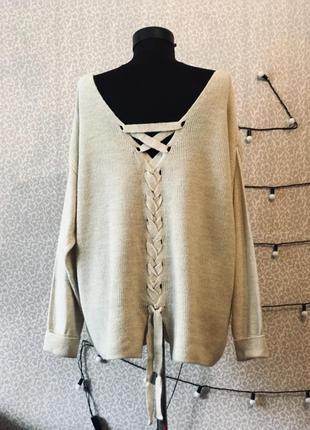 Очень красивый свитер со шнуровкой большого размера