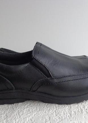 Кожаные туфли  f&f