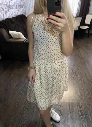 Стильное легкое платье платьечко в цветочный принт