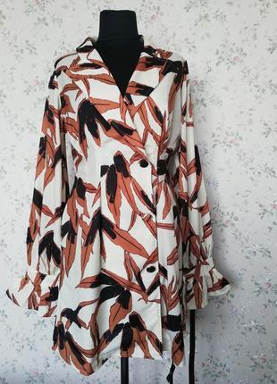 Дуже гарна сукня,в цікавий принт на гудзиках pretty little things