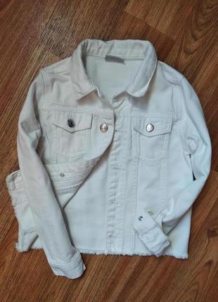 Крутая белая джинсовая курточка на 7-8 лет