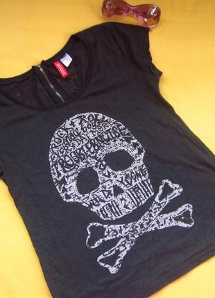 Стильная футболка на замочке сзади,h&m,узорчатая ткань,отличное состояние