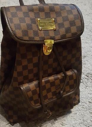 Новый,стильный,модный сумка- рюкзак louis vuitton