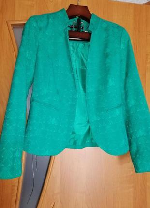 Красивый фактурный пиджак