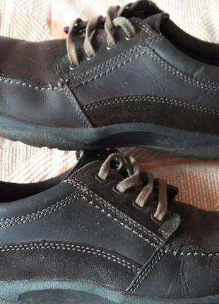 Кожаные коричневые фирменные туфли clarks