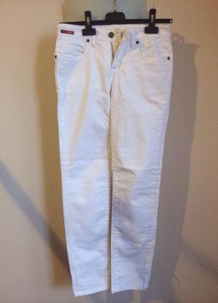 Белые джинсы leecooper
