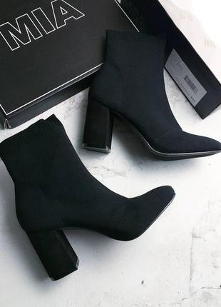 Mia оригинал черные ботильоны socks на широком каблуке