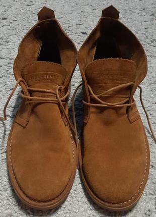 Оригинал.фирменные,натуральные, стильные ботинки из замши jack& jones