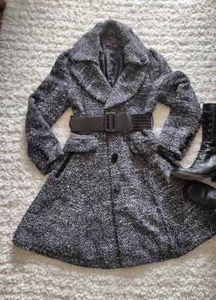Шикарное  пальто клеш
