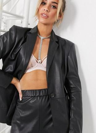 Куртка кожаная пилотка италия черная косуха кожа оверсайз смешная цена недорого обмена нет