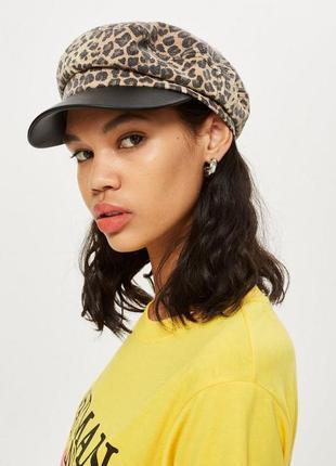 Кэжуал кепка с леопардовым принтом.