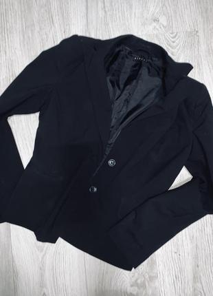Чёрный пиджак,бренд !