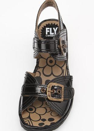 Новые стильные кожаные босоножки черные,танкетка fly london р 37