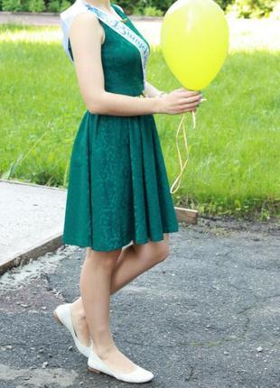 Святкова сукня. святкова зелена сукня.