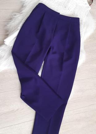 Базовые брюки очень красивого цвета