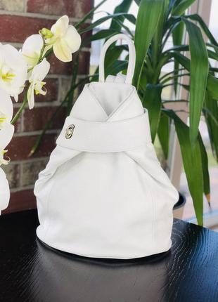Кожаный женский рюкзак трансформер белый