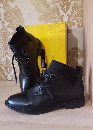 Актуальные ботиночки со шнуровкой, дезерты