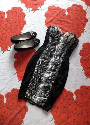 Черное платье-карандаш без бретелей со змеиным принтом