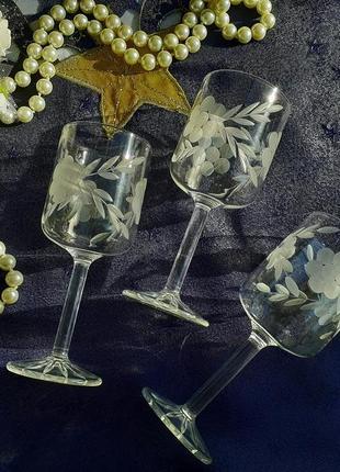"""Рюмки """"жасмин"""" ликерные ссср стекло ручная гравировка 3 шт. бокалы."""
