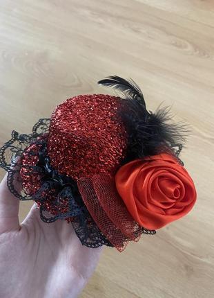 Заколка в форме шляпки