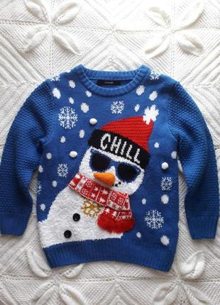 Детский свитерок с милым снеговичком.
