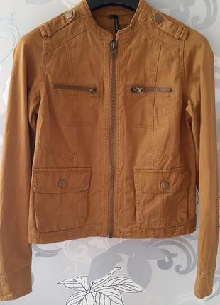 Клричневая бежевая джинсовая котоновая куртка курточка пиджак жакеь