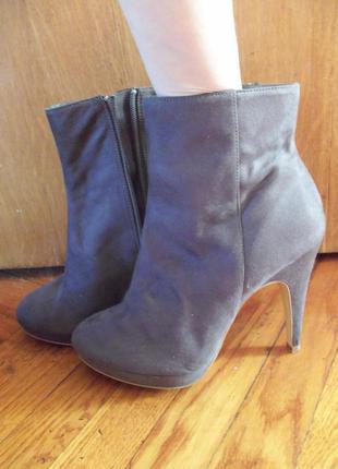 Ботинки h&m полусапожки каблук