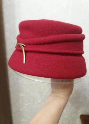 Продам весняну шапку