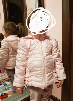 Курточка ніжно рожева