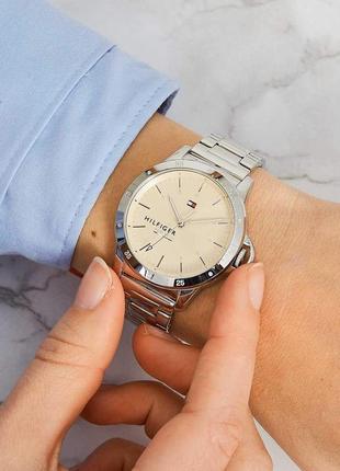 Часы tommy hilfiger новые оригинал