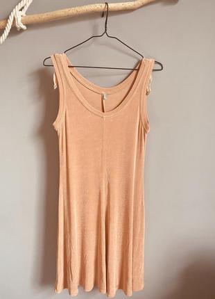 Платье из ацетата шелковистое нежно персиковое . сарафан без рукавов трапеция