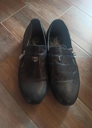 Кожаные туфли с перламутровым эффектом