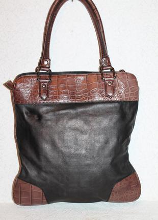 Шикарная кожаная сумка от burberry серийный номер