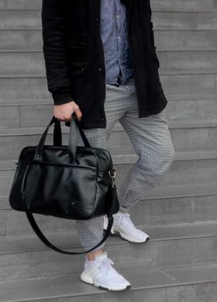 Велика дорожня чоловіча сумка стильна, міцна і надійна, екошкіра