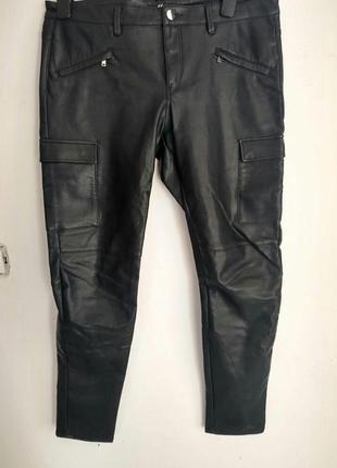 H&m брюкы штаны карго с еко кожы штани карго 44