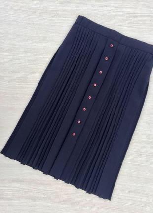 Стильная миди юбка в складку