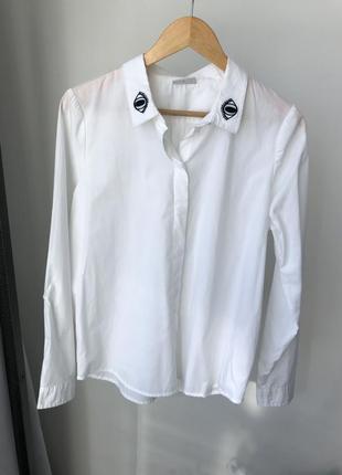 Белая рубашку с необычным воротником (глаза)