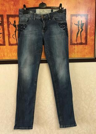 Фирменные джинсы с вышивкой tom tailor