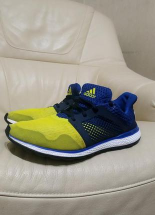 Мужские кроссовки adidas bounce. 26,5 оригинал.