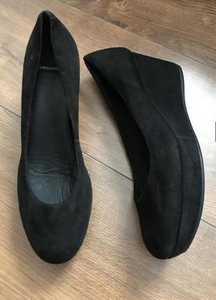 Туфли на танкетке vagabond