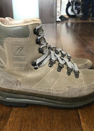 Трекинговые ботинки lowa trekker натуральная кожа р. 38